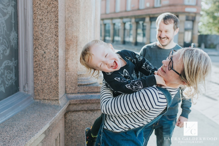 leeds family photographer | family photo shoot in Leeds city centre by Laura Calderwood Photography